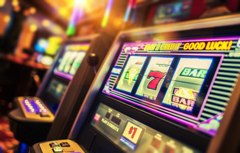 iStock 940290274 1024x653 - Slot Machines Offline and Online