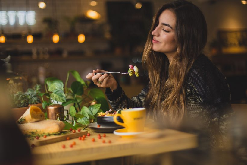 pablo merchan montes Orz90t6o0e4 unsplash 1 820x547 - What To Look Out For When Choosing A Restaurant To Dine in